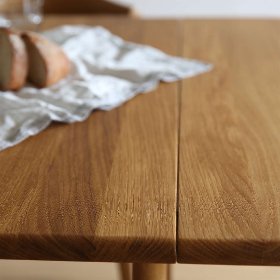 テーブルch006の天板の木目