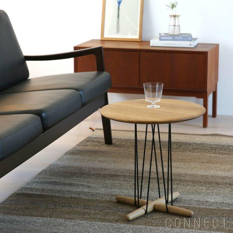 CARL HANSEN & SON (カールハンセン&サン) E021 / EMBRACE LOUNGE TABLE / オーク材・オイル仕上げ・ブラック脚 / φ48cm / コーヒーテーブル